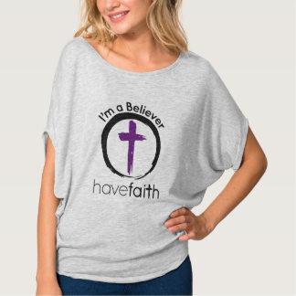 Eu sou um crente que o ~ tem a fé t-shirt