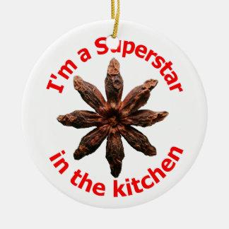 Eu sou uma estrela mundial na cozinha ornamento de cerâmica redondo