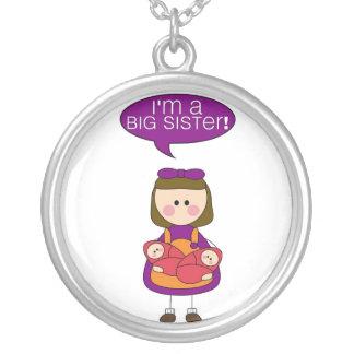 eu sou uma irmã mais velha (as irmãs gêmeas) colar banhado a prata