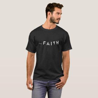 Eu tenho a fé camisetas