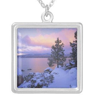 EUA, Califórnia. Um dia de inverno em Lake Tahoe. Colar Banhado A Prata