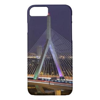 EUA, Massachusetts, Boston. Leonard Zakim Capa iPhone 7