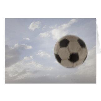 EUA, Utá, Lehi, bola de futebol contra o céu Cartão Comemorativo