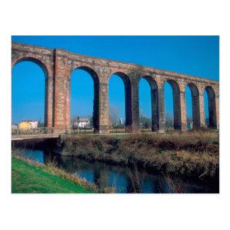 Europa, Italia. Aquaduct perto de Lucca. Cartão Postal