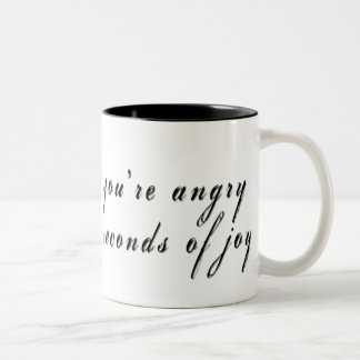 every_minute2 caneca de café em dois tons