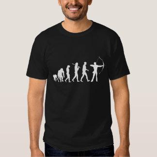 Evolução do tiro ao arco de um arco e de uma seta tshirts