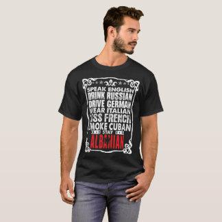 Fale o Tshirt alemão do albanês da estada da
