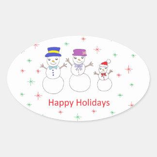 Família do boneco de neve boas festas adesivo oval