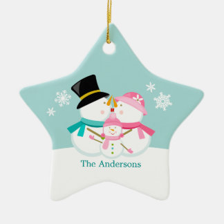 Família do boneco de neve de três feriados do ornamento de cerâmica estrela