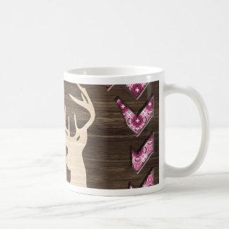 Fanfarrão de madeira cor-de-rosa dos cervos de caneca de café