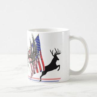 Fanfarrão patriótico do Whitetail Caneca De Café