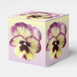 Favor/caixa de presente - amor perfeito da mancha caixinha