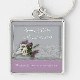 Favor do casamento da urze e do laço chaveiro quadrado na cor prata
