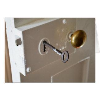 Fechadura da porta e chave do vintage cartões