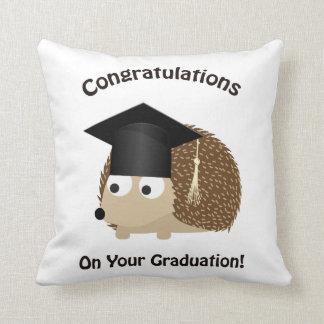 Felicitações em seu ouriço da graduação almofada
