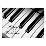 Feliz aniversario! Cartão da música do piano