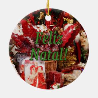 Feliz natal! Feliz Natal no gf português Ornamento De Cerâmica Redondo