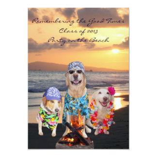 Festa de formatura engraçada do cão no convite da
