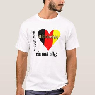 Festival de Oktoberfest no coração da bandeira T-shirt