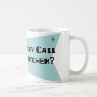 Fez alguém chamada para um expedidor caneca de café
