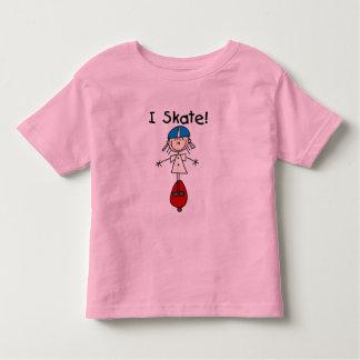 Figura camiseta e presentes da vara do skater