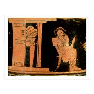 Figura vermelha estojo do sótão que descreve uma cartão postal