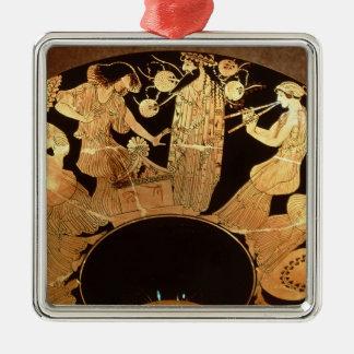 Figura vermelha kylix do sótão que descreve ornamento quadrado cor prata
