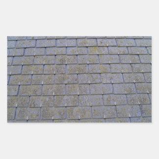 Fim-Acima de azulejos de telhado com líquenes Adesivo Em Formato Retângular