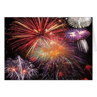 Final dos fogos-de-artifício cartão comemorativo
