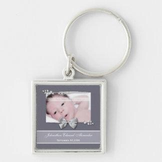 Fita elegante da prata do anúncio do nascimento da chaveiro quadrado na cor prata