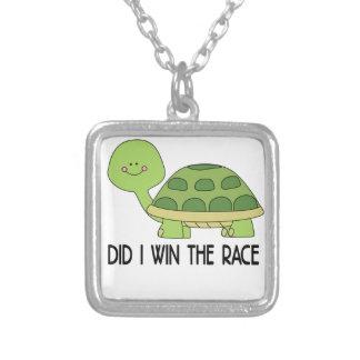 Fiz eu ganho o Race.png Colar Banhado A Prata