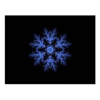 Floco de neve azul bonito do inverno cartão postal