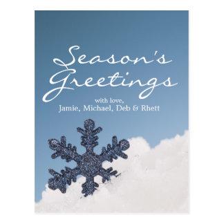 Floco de neve na neve cartão postal