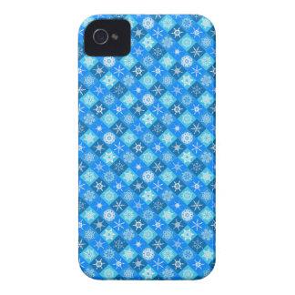 Flocos de neve modernos brilhantes do inverno femi capa de iPhone 4 Case-Mate