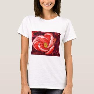 Flor bonito do açafrão camiseta