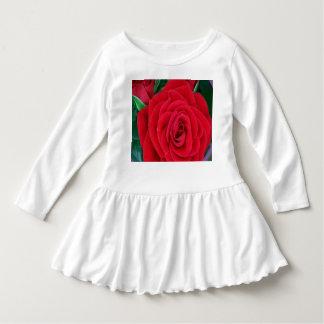 Flor cor-de-rosa de RedRose do vestido do plissado