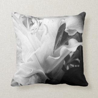 Flor de Black&White por Orchidea Travesseiro De Decoração