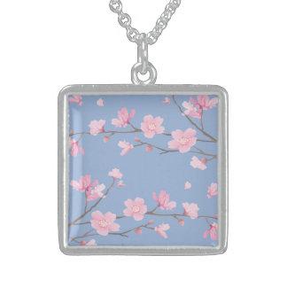 Flor de cerejeira - azul da serenidade colar de prata esterlina