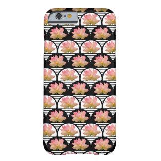 Flor de Lotus retro Capa Barely There Para iPhone 6