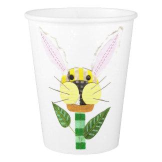 Flor do coelho nenhum copo de papel de fundo