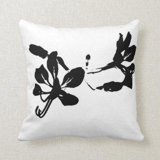 Flor, preto e branco travesseiro