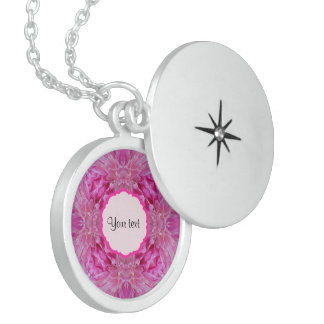 Floral cor-de-rosa colar medalhão