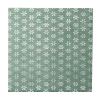 Flores brancas do Grunge do vintage no verde Azulejo Quadrado Pequeno