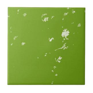 flores da camomila no verde azulejo de cerâmica