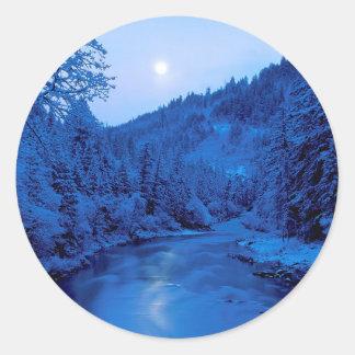 Floresta clara de Scott Klamath da lua do rio Adesivos Redondos
