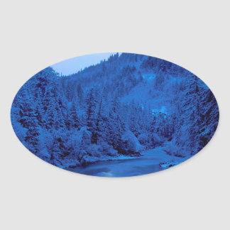Floresta clara de Scott Klamath da lua do rio Adesivos Ovais