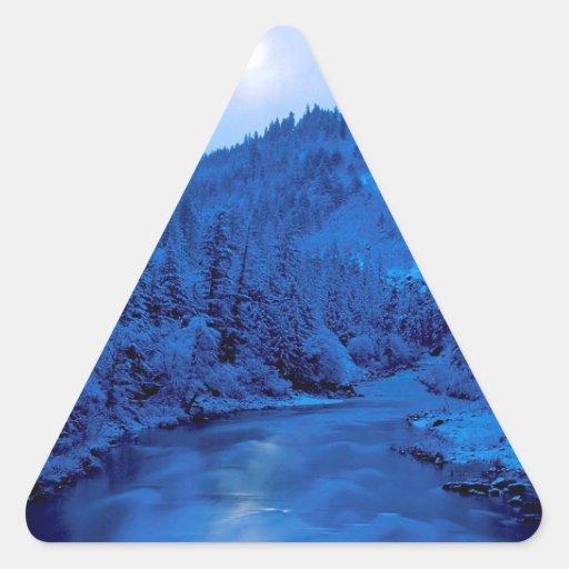 Floresta clara de Scott Klamath da lua do rio Adesivo Em Forma De Triângulo