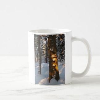 Floresta no inverno caneca