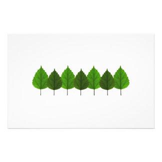 Floresta verde pequena feliz da folha da árvore papelaria