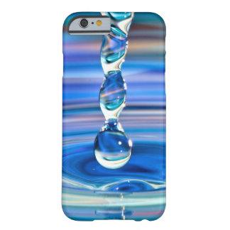 Fluxo claro das gotas da água azul capa barely there para iPhone 6